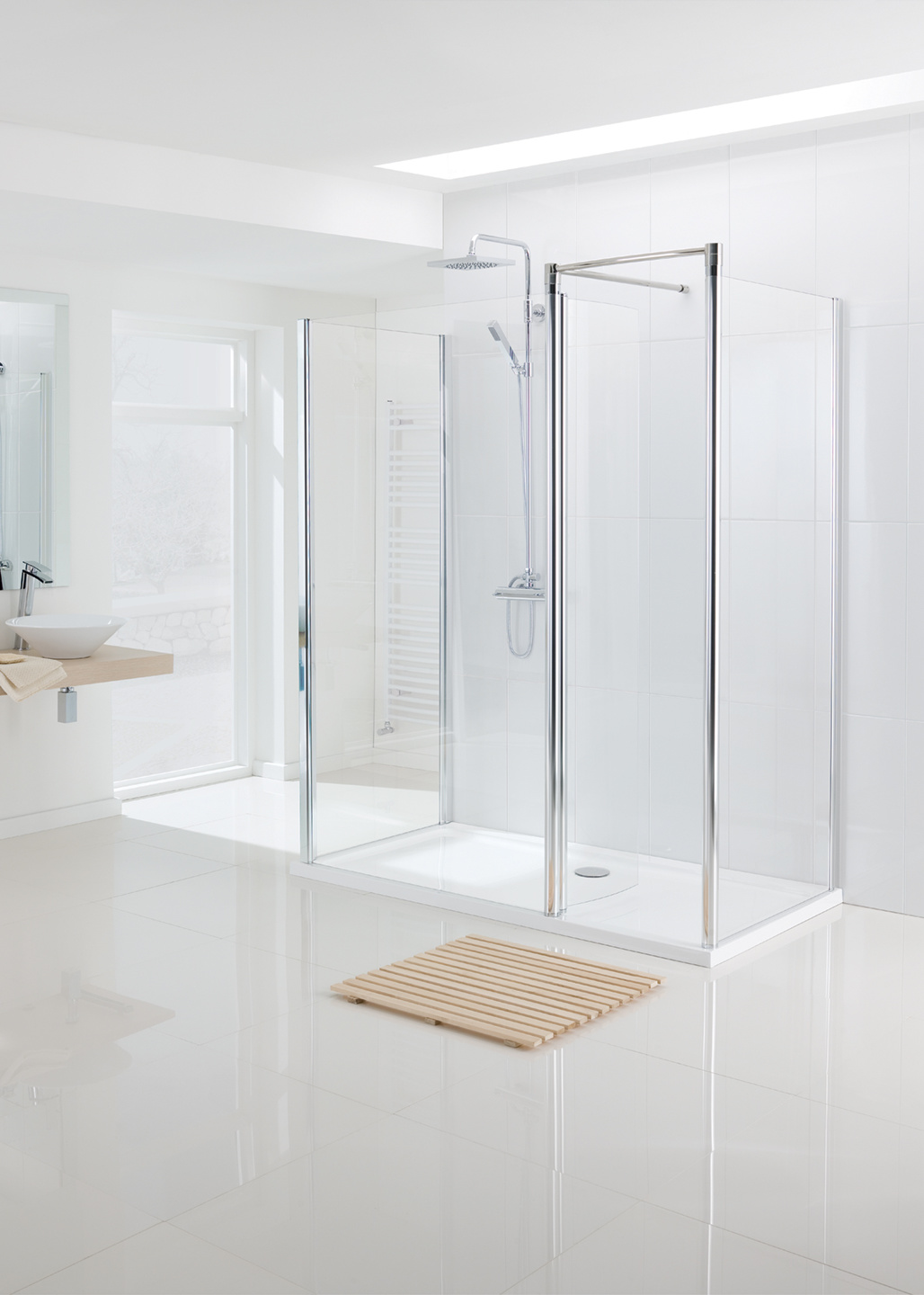 semi-frameless Walk In shower enclosure